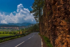Empty-Road-in-Kausani-Uttrakhand-ss26062018